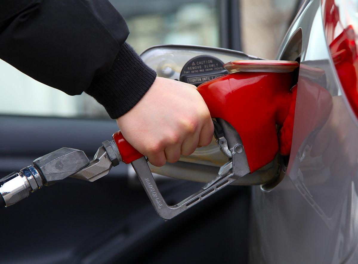 بنزین سال ۱۴۰۱ گران میشود؟