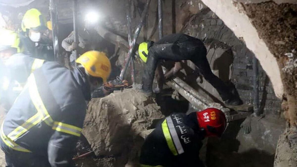 ۲ کارگر در اصفهان زنده به گور شدند