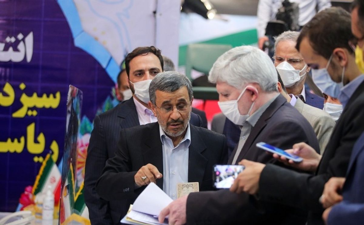 احمدی نژاد، شورای نگهبان را تهدید کرد